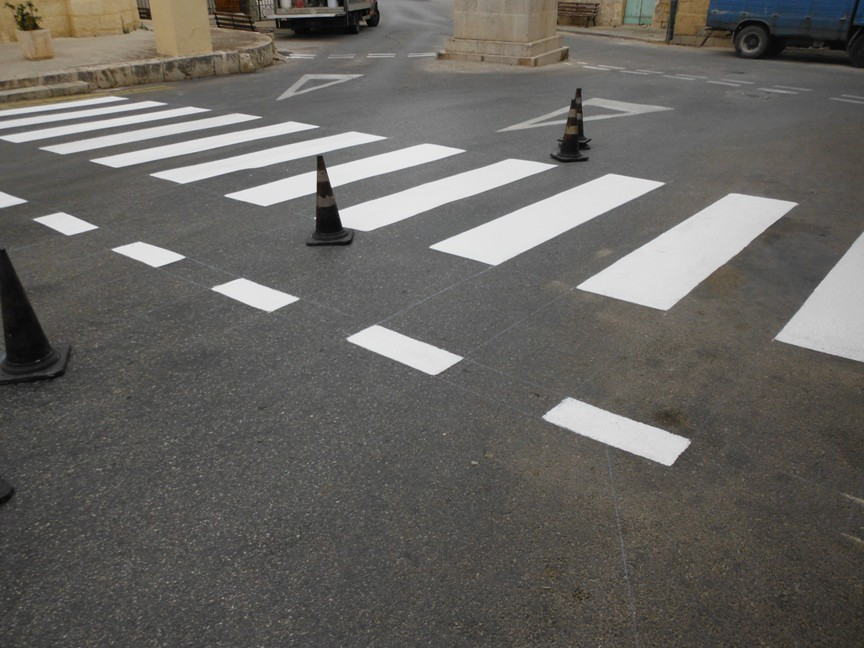 Case studies of road marking paints road signs rubber for Road case paint